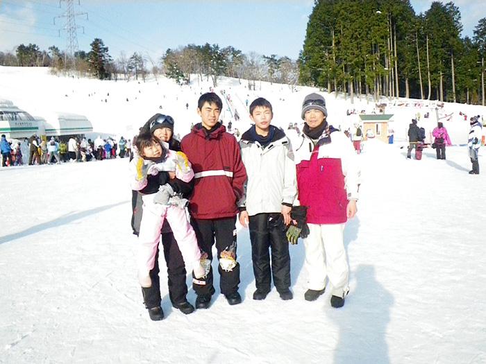毎年恒例の雪遊び_c0120834_18185149.jpg