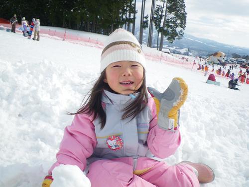 毎年恒例の雪遊び_c0120834_18190293.jpg