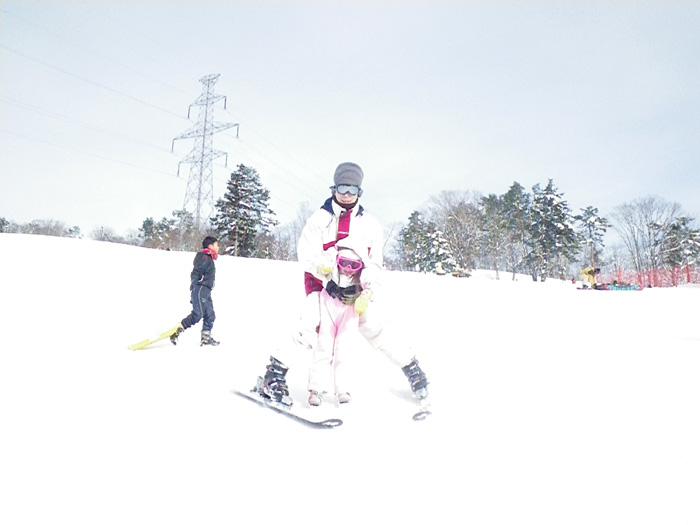 毎年恒例の雪遊び_c0120834_18270559.jpg