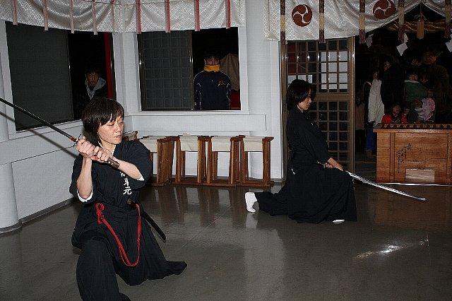 新春「居合道演武・獅子舞い」奉納_c0045448_20535571.jpg
