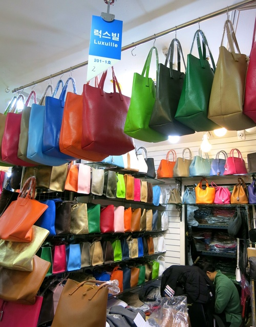 X'mas in Seoul ⑤Luxuilleのレザートートバッグと露店の手袋❤_f0236260_11133.jpg