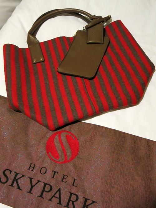 X'mas in Seoul ⑤Luxuilleのレザートートバッグと露店の手袋❤_f0236260_1281096.jpg