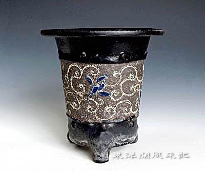 楽焼鉢「江戸期の万年青鉢」              No.503_b0034163_2303984.jpg