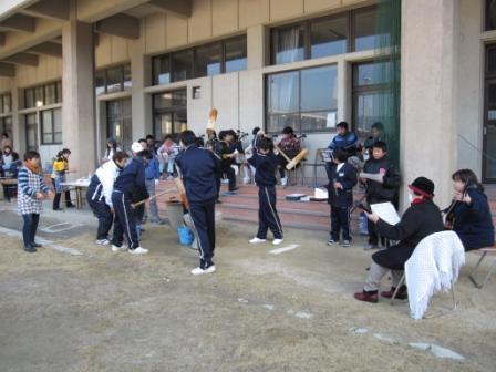 宮島学園 餅つき・松明づくり_f0229523_11372792.jpg