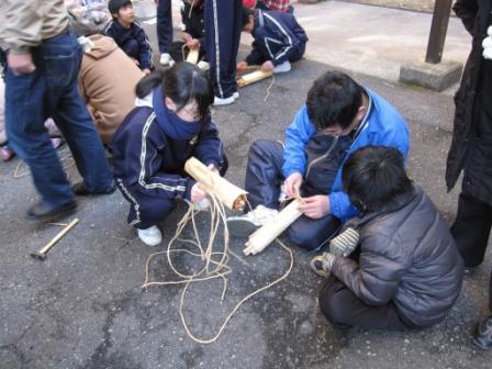 宮島学園 餅つき・松明づくり_f0229523_11525492.jpg
