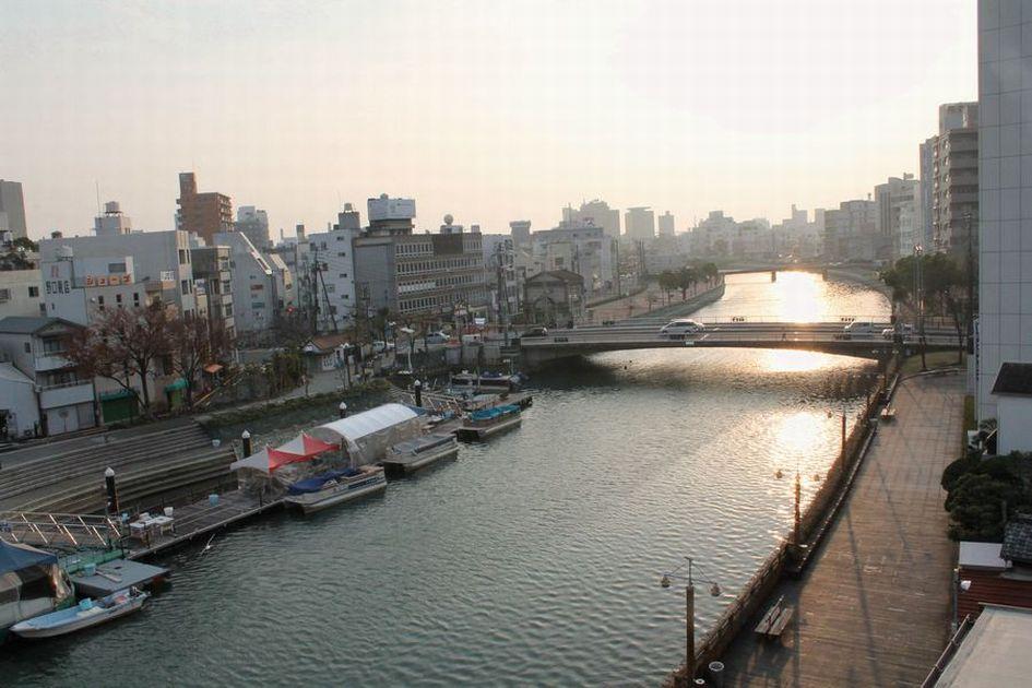 「徳島・・・新町川・朝と夜の風景」_d0133024_08520565.jpg