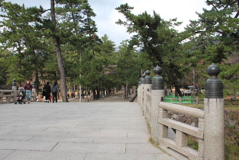 日本神話の旅 【出雲大社】_c0011649_512916.jpg
