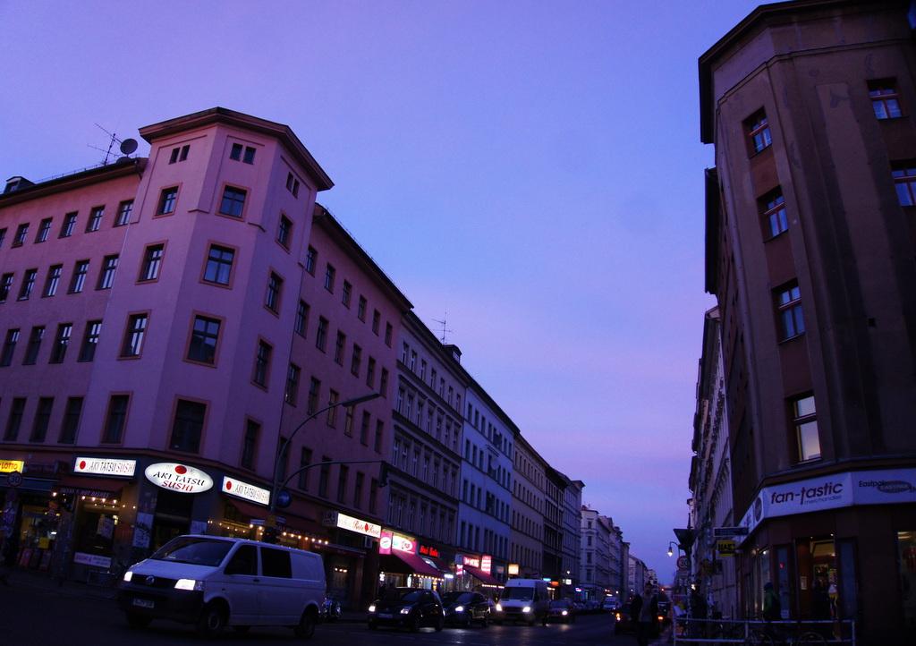 Kreuzbergにて。「Die Drei Fragezeichen」_c0180686_19403013.jpg