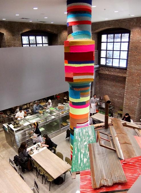 まさにギャルソンらしい超アート空間なドーバー・ストリート・マーケット Dover Street Market New York_b0007805_14113727.jpg