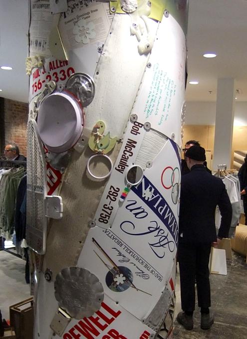 まさにギャルソンらしい超アート空間なドーバー・ストリート・マーケット Dover Street Market New York_b0007805_14115019.jpg