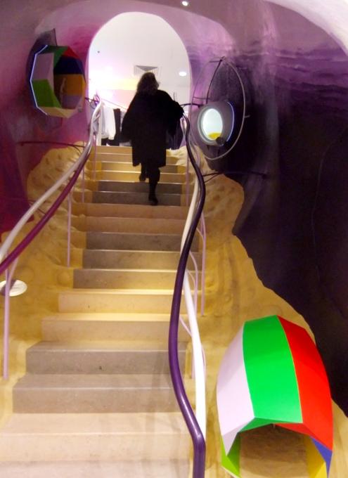 まさにギャルソンらしい超アート空間なドーバー・ストリート・マーケット Dover Street Market New York_b0007805_14144100.jpg
