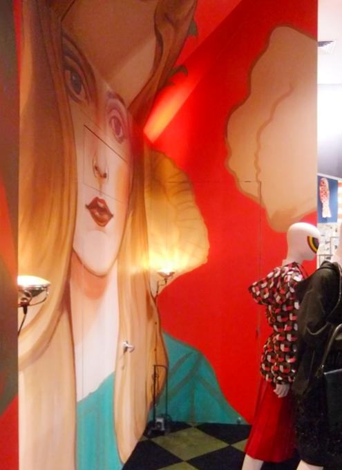 まさにギャルソンらしい超アート空間なドーバー・ストリート・マーケット Dover Street Market New York_b0007805_14174515.jpg