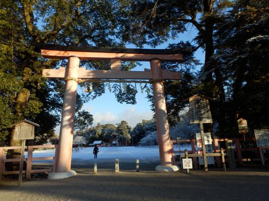 淡雪が 上賀茂神社_e0048413_182414.jpg