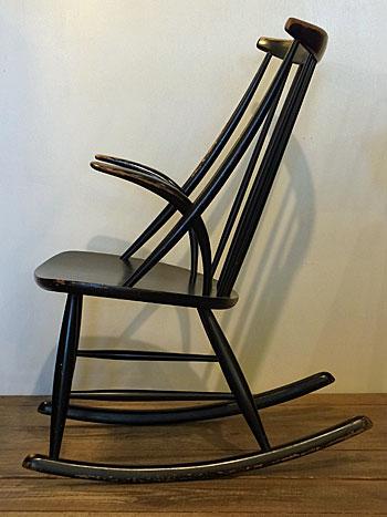 Rocking chair(Illum Wikkelsø)_c0139773_1845882.jpg