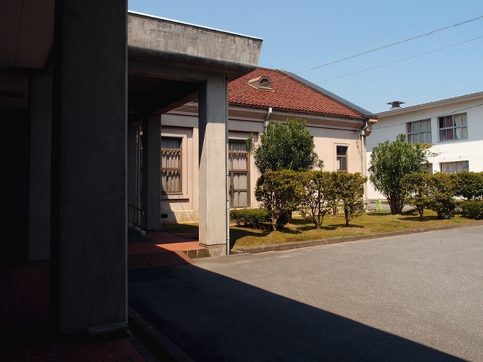 旧日高町公会堂_f0116479_1332153.jpg