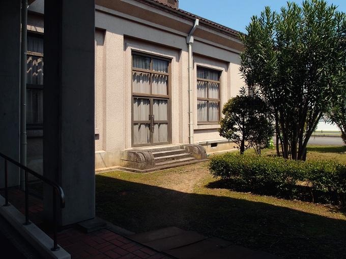 旧日高町公会堂_f0116479_1332282.jpg