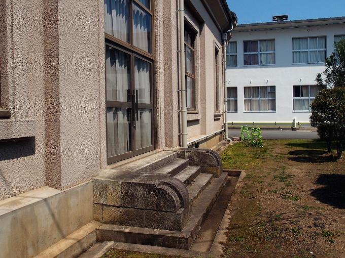 旧日高町公会堂_f0116479_1333094.jpg