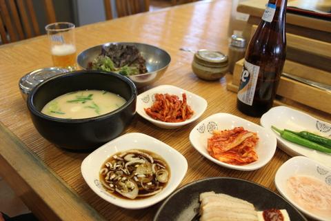 釜山の旅レポ、その2。念願のテジクッパ を「チョンガチブテジクッパ」で。_a0223786_10453089.jpg