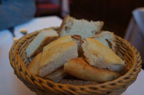 ルッカ郊外のお勧めレストラン、アンティーカ・ロカンダ・ディ・セスト_f0106597_19152459.jpg