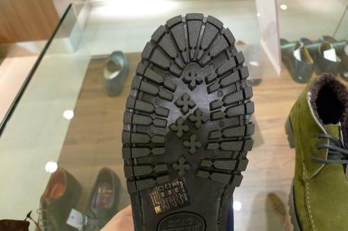 暖かい靴_d0166598_14254666.jpg