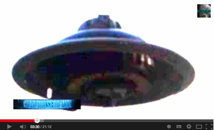 最近のUFO映像の数々:2013〜2014編_e0171614_18325657.jpg