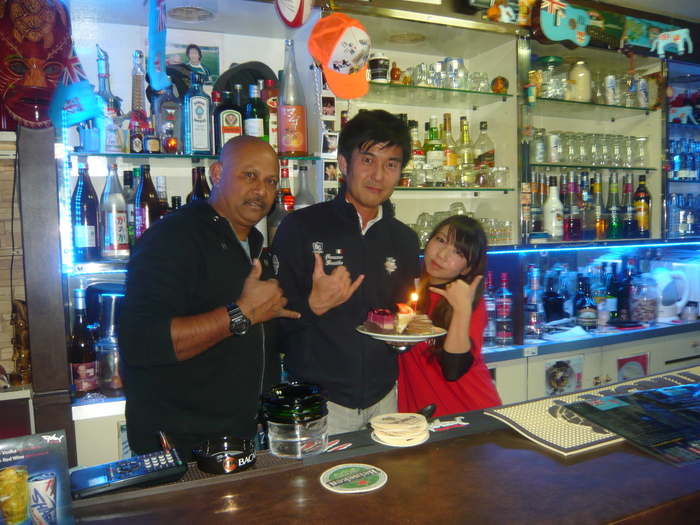 FIJI BAR Osaka Dec 2013_a0117653_2595337.jpg