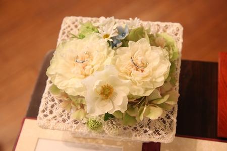 生花のリングピロー_a0042928_1752418.jpg