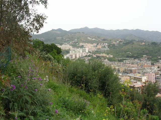 イタリア旅⑥⑦4月10,11日、タオルミーナ、チェファル観光_f0060461_18445771.jpg