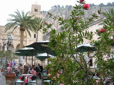 イタリア旅⑥⑦4月10,11日、タオルミーナ、チェファル観光_f0060461_18582883.jpg