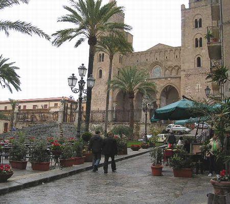 イタリア旅⑥⑦4月10,11日、タオルミーナ、チェファル観光_f0060461_18584515.jpg