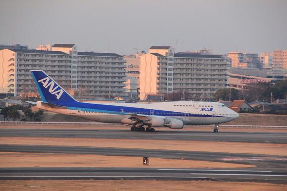 伊丹空港レポ ボーイング747-ダッシュ400 テクノジャンボ飛来_d0202264_8371621.jpg