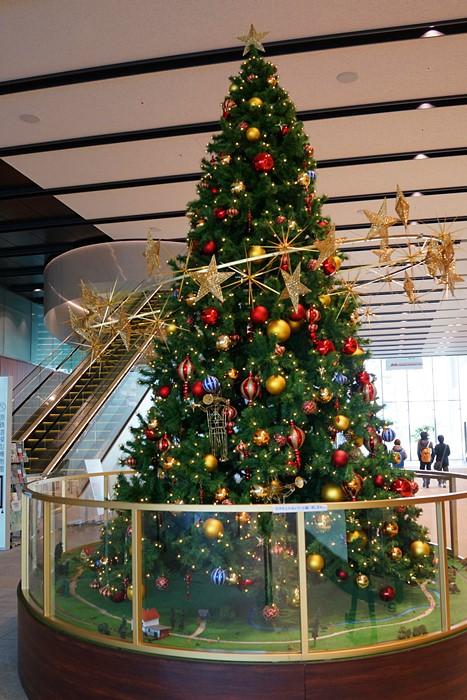 横浜三井ビルディングのクリスマス 原鉄道模型博物館のクリスマス_b0145398_2120744.jpg