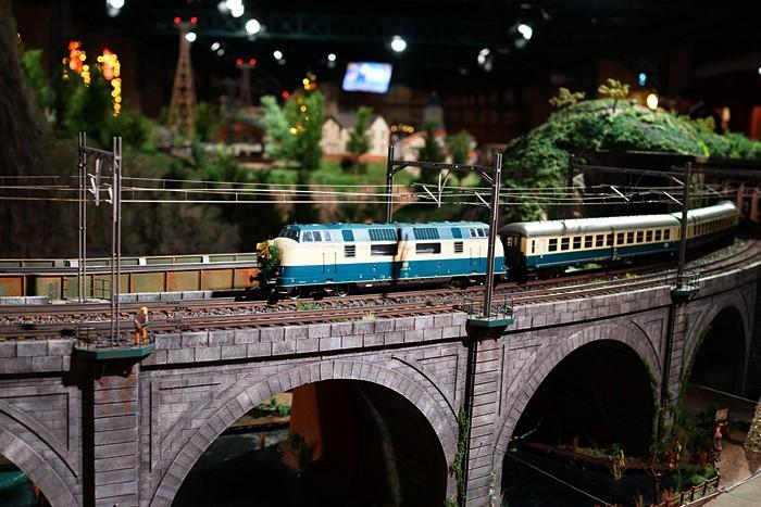 横浜三井ビルディングのクリスマス 原鉄道模型博物館のクリスマス_b0145398_21241270.jpg