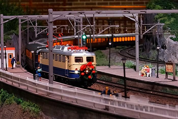 原鉄道模型博物館のクリスマスイルミネーション_b0145398_22482589.jpg