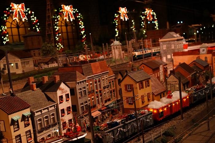 原鉄道模型博物館のクリスマスイルミネーション_b0145398_22501339.jpg