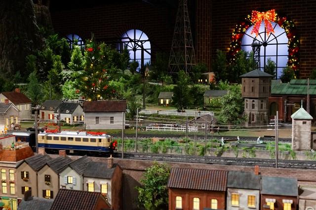 原鉄道模型博物館のクリスマスイルミネーション_b0145398_22524774.jpg