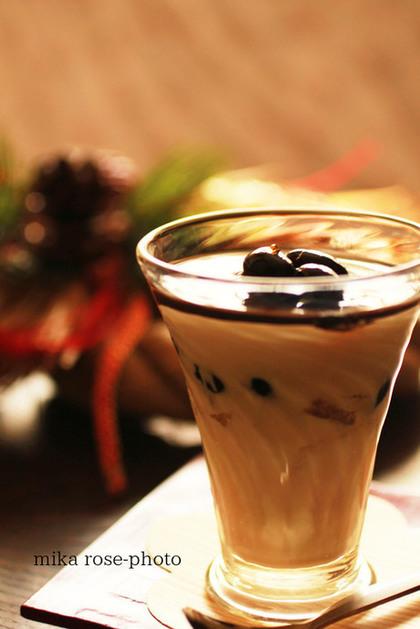 まるでカフェに出てくるようなおしゃれなグラス入り!おもてなしにぴったりの黒豆デザート!