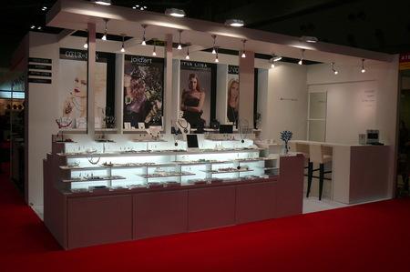 今年もスタートは国際宝飾展から_c0135145_1122684.jpg