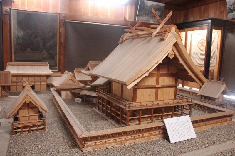 日本神話の旅 【出雲大社】_c0011649_024390.jpg