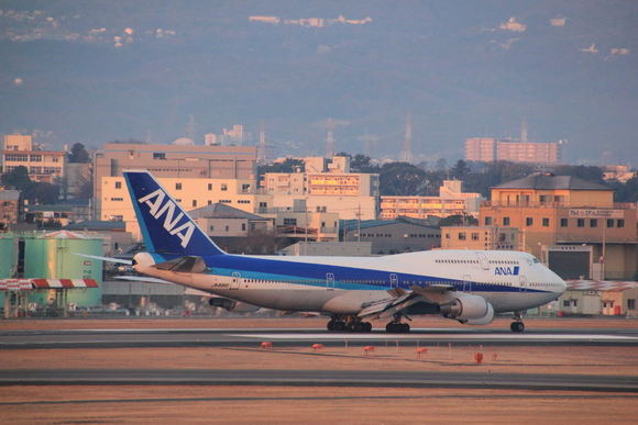 ANA 伊丹空港 ボーイング747-ダッシュ400 テクノジャンボ飛来_d0202264_7281244.jpg