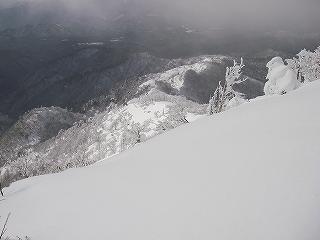 立石林道から鷲ヶ岳(東面滑降)_e0064783_20273653.jpg