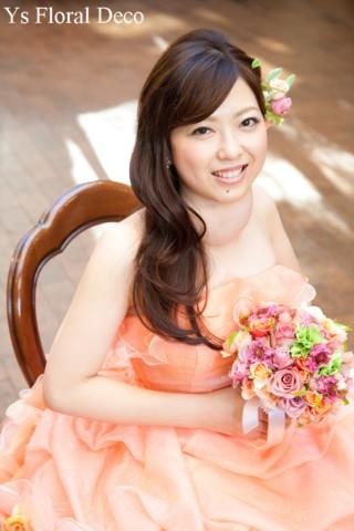 オレンジ色のドレスにあわせるクラッチブーケとヘッドドレス_b0113510_11213869.jpg
