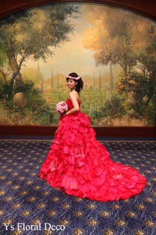 濃いピンク色のドレスにあわせるブーケと花冠 ウェスティンホテル東京さんへ_b0113510_11281176.jpg