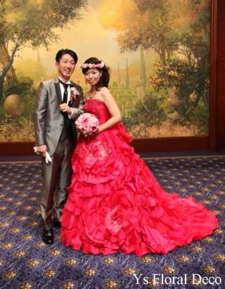 濃いピンク色のドレスにあわせるブーケと花冠 ウェスティンホテル東京さんへ_b0113510_11281539.jpg