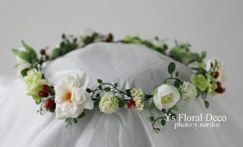 白いお花と赤い実ものの花冠 三重へ_b0113510_11422843.jpg