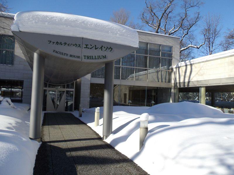 降り続いた雪が上がりまぶしい札幌_c0025115_1844066.jpg