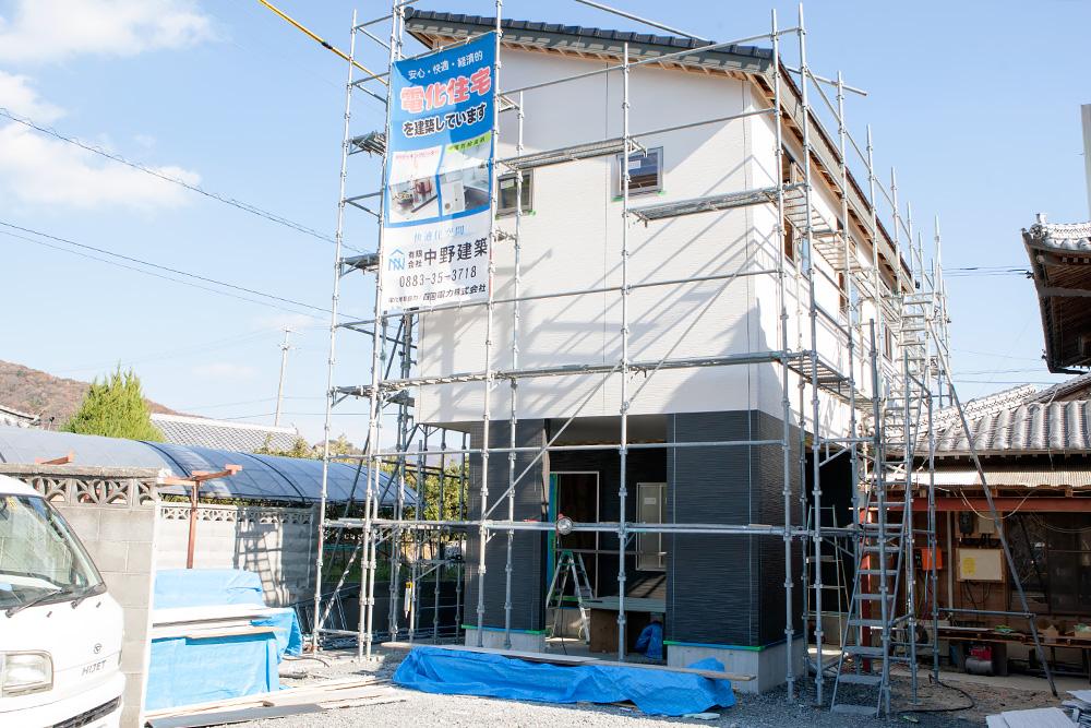 スマートな外観!木造2階建てオール電化住宅〜その3〜_a0163962_11213610.jpg