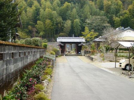 綾小学校の周辺をめぐる_e0280693_1452185.jpg