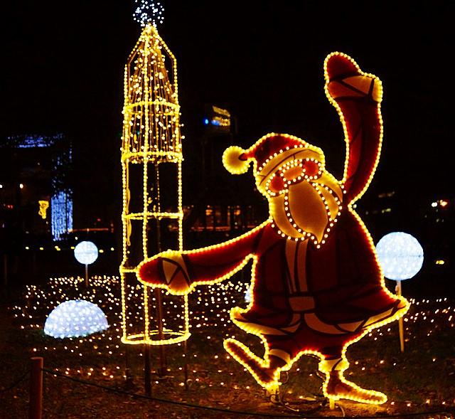 横浜ワールドポーターズのクリスマスイルミネーション2013_b0145398_163571.jpg