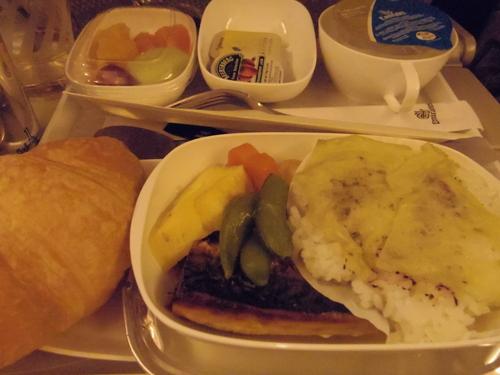 ドバイへの旅(6)―エミレーツ航空と空港と交通_e0123104_657411.jpg